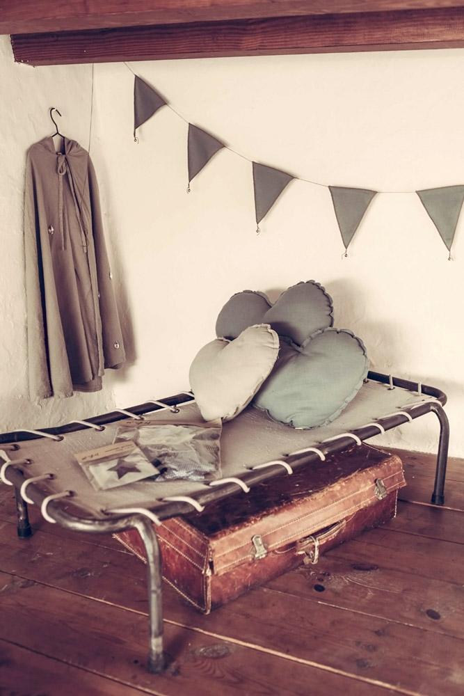 lit-de-camp-enfant-vintage-numero-74-z